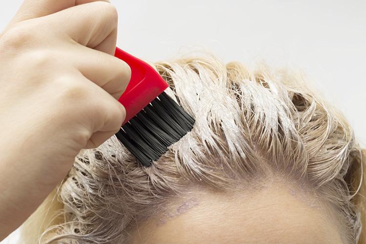 誤ったヘアケアは抜け毛の原因になる