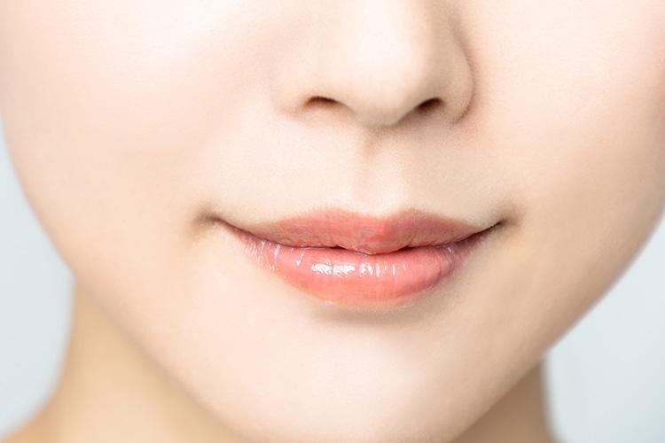 下口唇縮小手術で上品な印象の唇になった女性