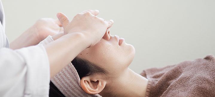 大阪美容皮膚科 吸収糸でのスレッドリフトが選ばれる理由