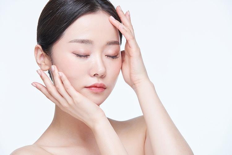 ガウディスキンのスムースクレンズはアミノ酸系弱酸性洗顔料です。
