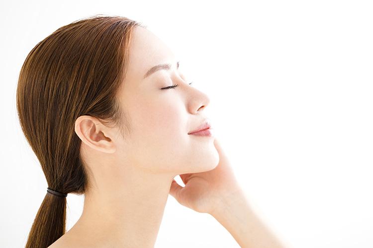 ガウディスキンのデュアルレチノプラスは肌質、肌機能、肌乾燥を改善します。